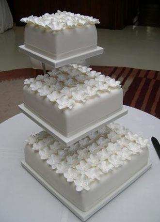 flowerboxweddingcake.jpg