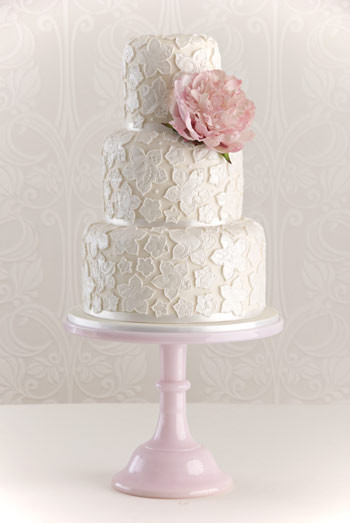 39Lace Applique 39 wedding cake Madagascar vanilla bean cake