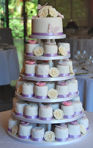 lilac-butterfly-and-rose-mini-cakes