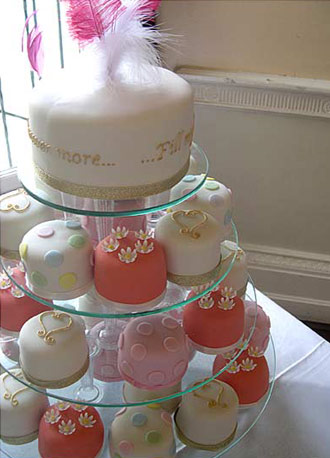 mini-cakes-wedding-cake