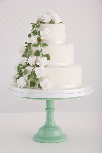 rambling-rose-wedding-cake