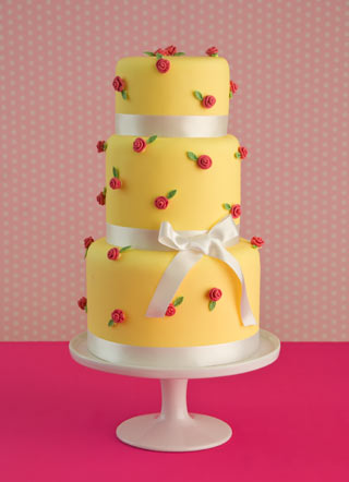 rose-and-yellow-wedding-cake
