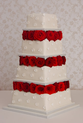 Rosebed-and-blossom-wedding-cake