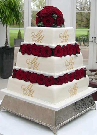39Roses 39 wedding cake Blocked with deep red roses the bride