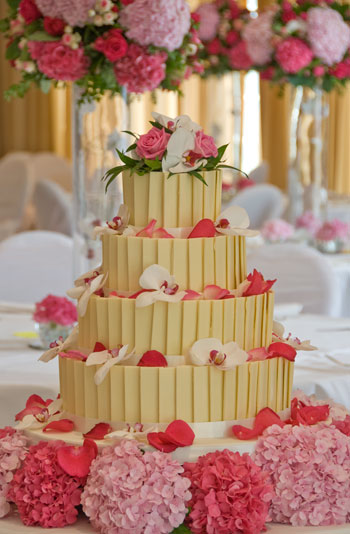 white-chocolate-wedding-cake
