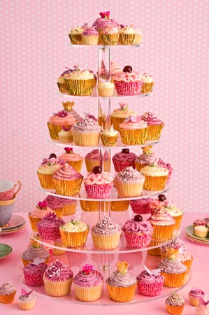 pink-and-lilac-and-gold-wedding-cupcakes