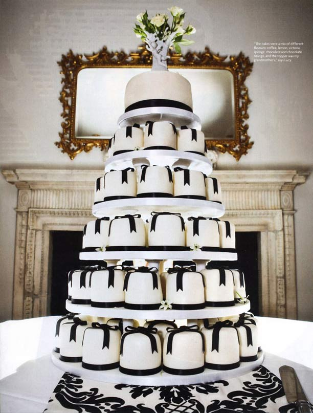 you-and-your-wedding - Black-bow-mini-cakes-feature